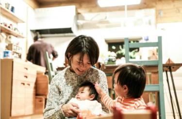 栃木に住む40代の主婦が4人家族の生活費と資産運用を語ります。